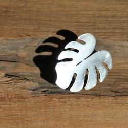 Silver ring - Tropical leaf silhouette
